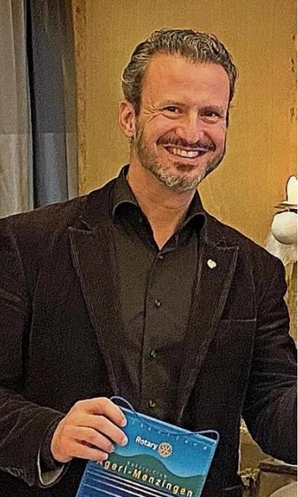 Der Präsident des Rotary Club Ägeri-Menzingen Reto Carrara war erfreut ob der hohen Spendensumme.